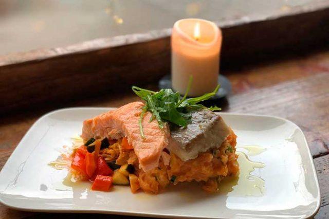 Lecker Fisch mit Reis in Kachelhaus Bielefeld